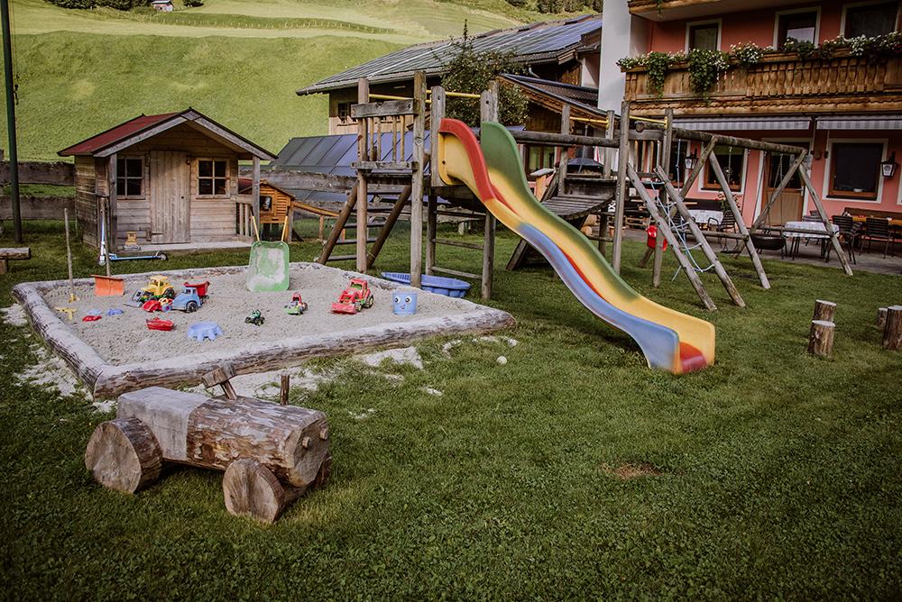 Gasthof-Haidbach-Sommer-Spielplatz-Kinder-Mittersill-Urlaub mit Kinder-Spielplatz Mittersill